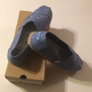 TOMS Limited Edition Whales Migration Map Slip-ons